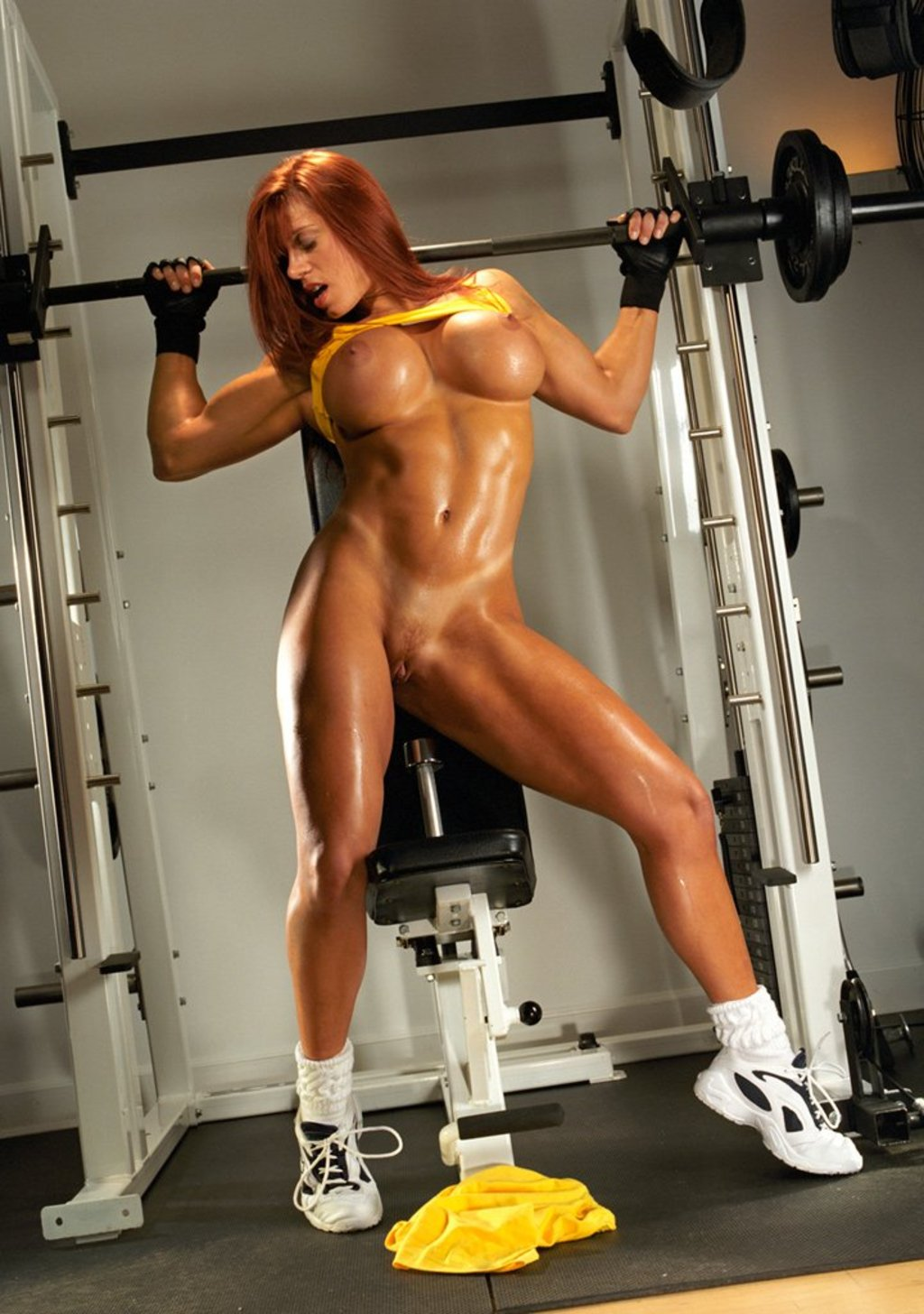 Спортивные голые женщины @ m1bar.com